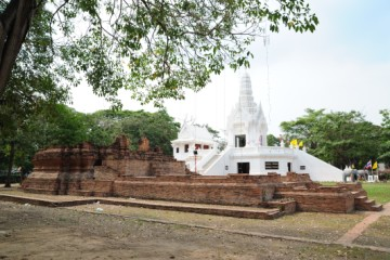 Phra Kan shrine from the south
