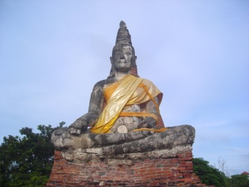 The Buddha image of the prayer hall or vihara