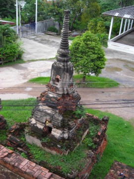 Satellite chedi in situ